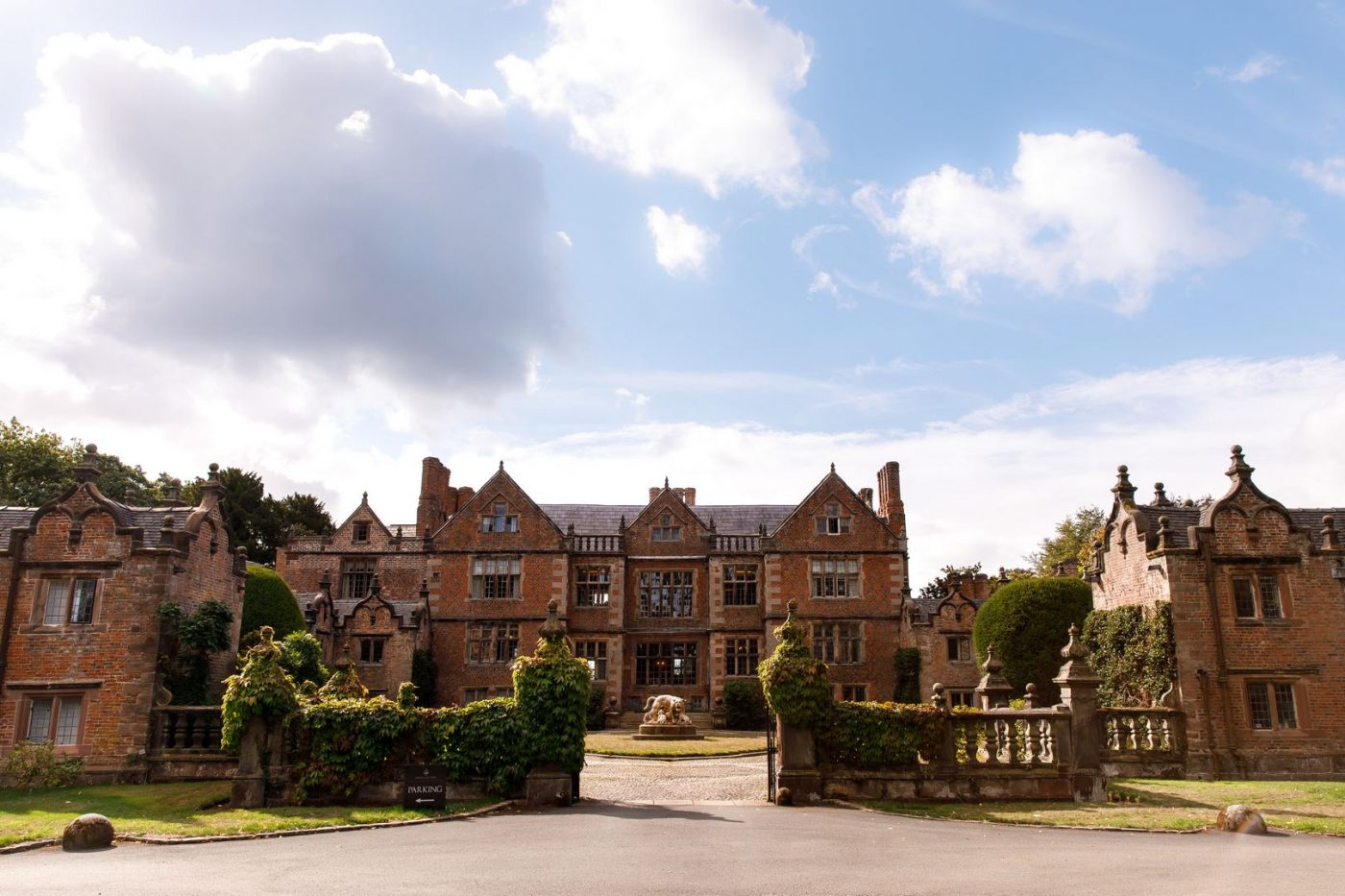 Dorfold Hall Wedding Venue