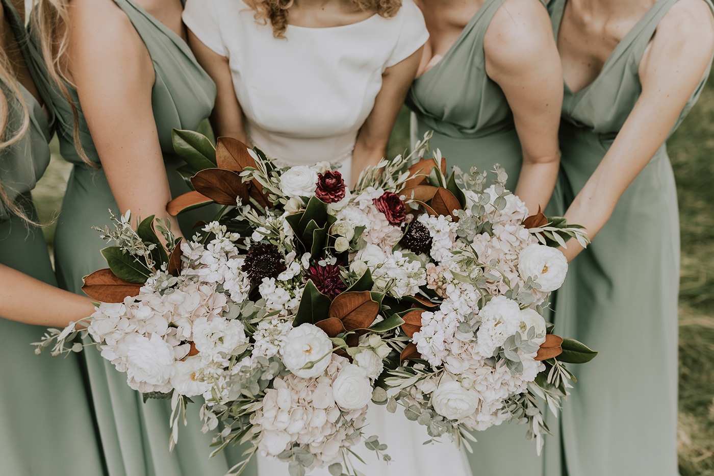How to Find, Choose & Book Your Wedding Suppliers