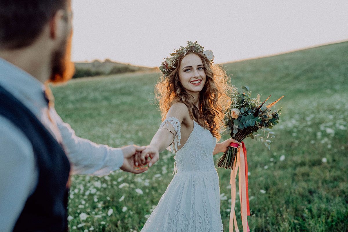 Your Guide to Hiring a Wedding Photographer